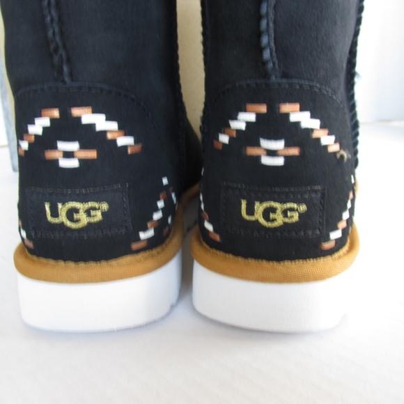 3e50c55c4f0 Ugg Boots Classic Short Rustic Weave Aztec SZ 5